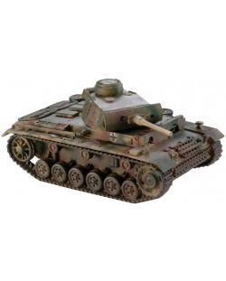 Сглобяем модел на танк Revell - Panzer III type L (03133)