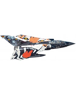 Сглобяем модел на военен самолет Revell Tornado - Black Panther (04660)