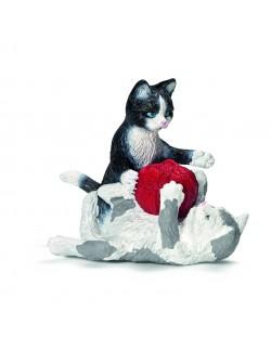 Фигурки Schleich от серията Животът във фермата: Котенца с прежда