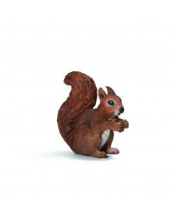 Фигурка Schleich от серията Дивия живот - Животните в Европа: Катеричка, ядяща