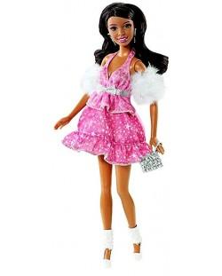Барби с розова рокля