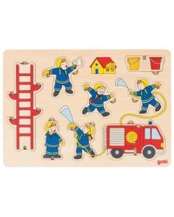 Дървен пъзел Goki - Пожарна команда, стоящ пъзел