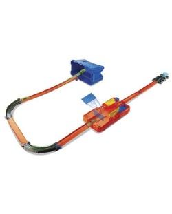 Игрален комплект писта Hot Wheels от Mattel – С количка и тухлички