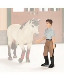 Фигурка Schleich от серията Аксесоари към Животни във фермата: Инструктор за езда