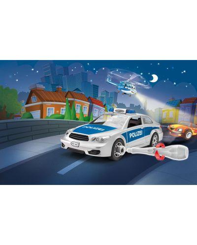 Сглобяем модел на полицейски автомобил Revell (00802) - 3