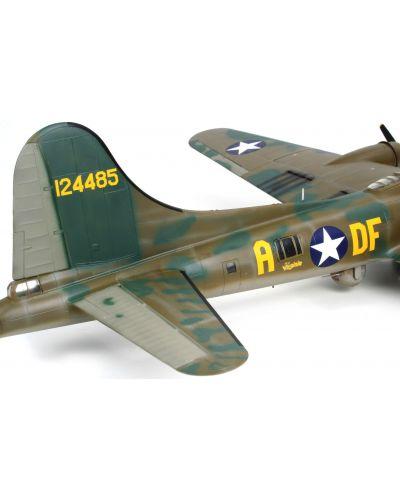 Сглобяем модел на военен самолет Revell - B-17F Memphis Belle (04297) - 4