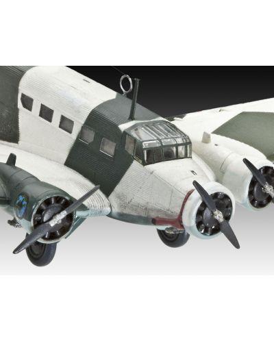 Сглобяем модел на военен самолет Revell Junkers - Ju52/3m (04843) - 3