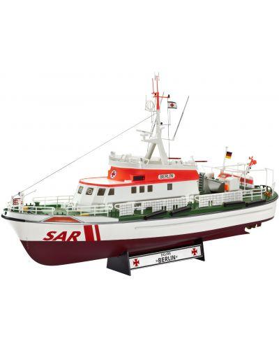 Сглобяем модел на кораб Revell - Search & Rescue Vessel BERLIN (05211) - 1