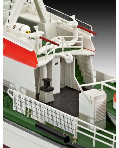 Сглобяем модел на кораб Revell - Search & Rescue Vessel BERLIN (05211) - 4