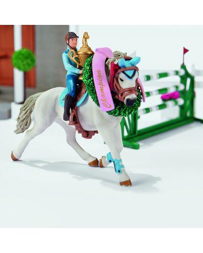 Фигурка Schleich от серията Аксесоари към Животни във фермата: Комплект - голямо конно състезание - 5