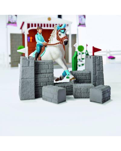 Фигурка Schleich от серията Аксесоари към Животни във фермата: Комплект - голямо конно състезание - 3