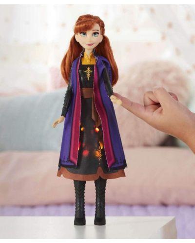 Кукла Hasbro Frozen 2 - Анна със светеща рокля - 4