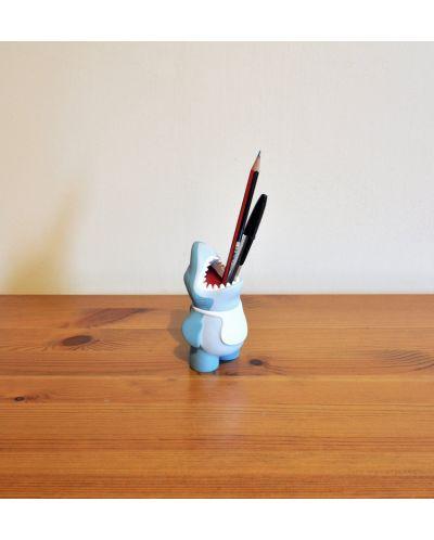 Акула за химикалки - 6