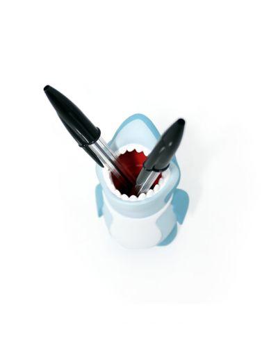 Акула за химикалки - 9