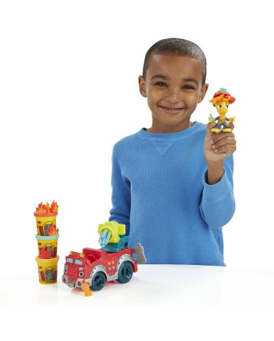Play Doh Town - Противопожарен камион - 4