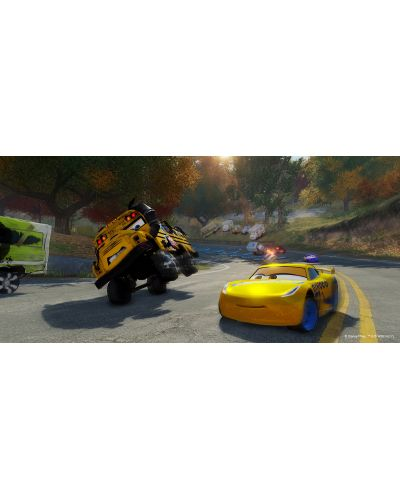 Cars 3: Driven to Win (PS4) - 4
