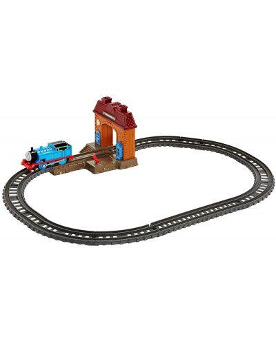 Комплект за игра Fisher Price Thomas & Friends - Трасе, гара и моторизирано влакче - 5