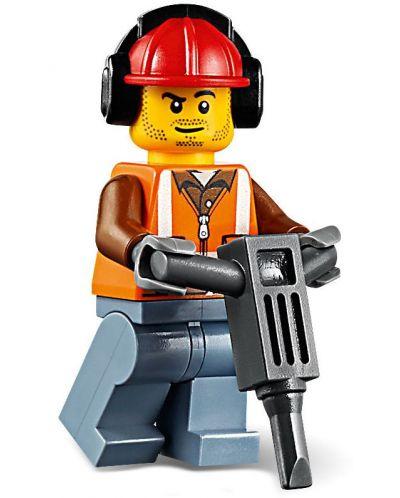 Конструктор Lego City - Строителен товарач (60219) - 8