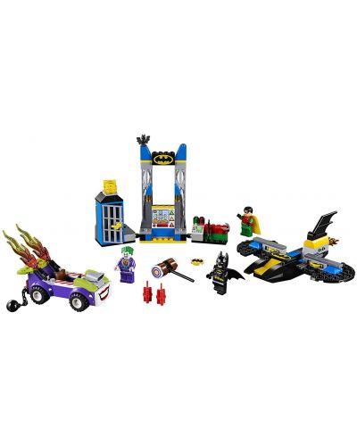 Конструктор Lego Juniors - Joker™ напада пещерата на прилепа (10753) - 4