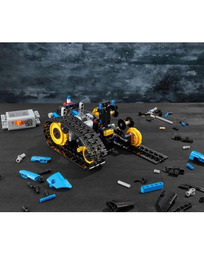 Конструктор Lego Technic - Каскадьорска кола, с дистанционно управление (42095) - 7