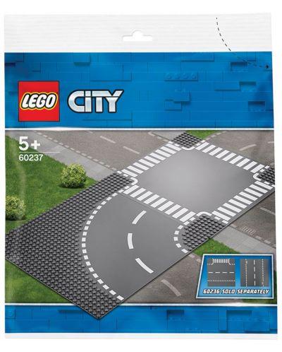 Конструктор Lego City - Завой и кръстопът (60237) - 3