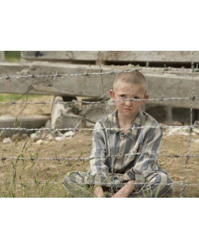 Момчето с раираната пижама (DVD) - 8
