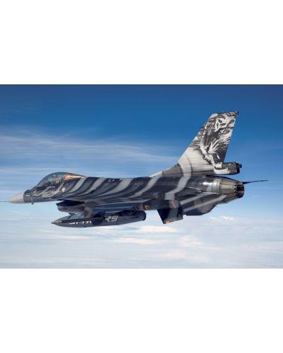 Сглобяем модел на изтребител Revell - F-16 Mlu Tigermeet 2009 (04691) - 2