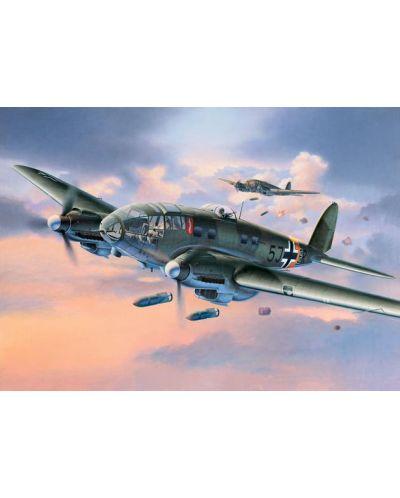 Сглобяем модел на военен самолет Revell Heinkel - He 111 H-6 (4836) - 2