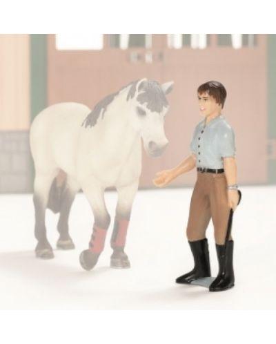 Фигурка Schleich от серията Аксесоари към Животни във фермата: Инструктор за езда - 1