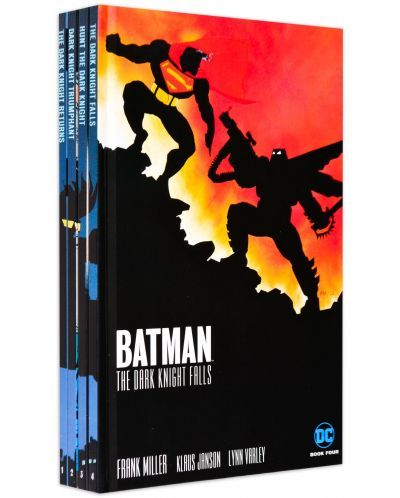 The Dark Knight Returns Slipcase Set (комикс)-1 - 2