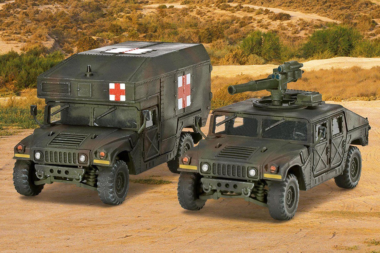 Сглобяем модел на военен транспорт Revell -  MMWV M966 TOW Missile Carrier & M997 Maxi Ambulance (03147) - 2