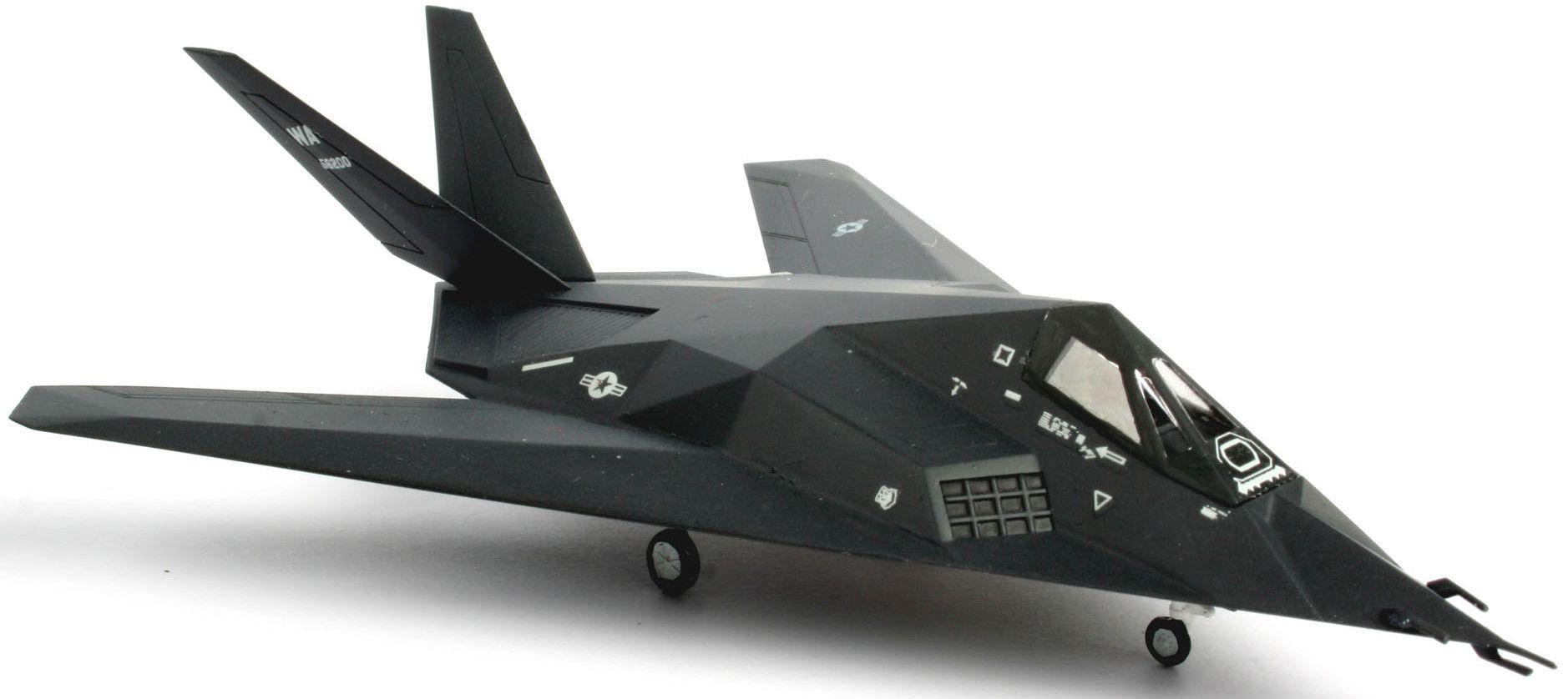 Сглобяем модел на изтребител Revell - F-117 Stealth Fighter (04037) - 2