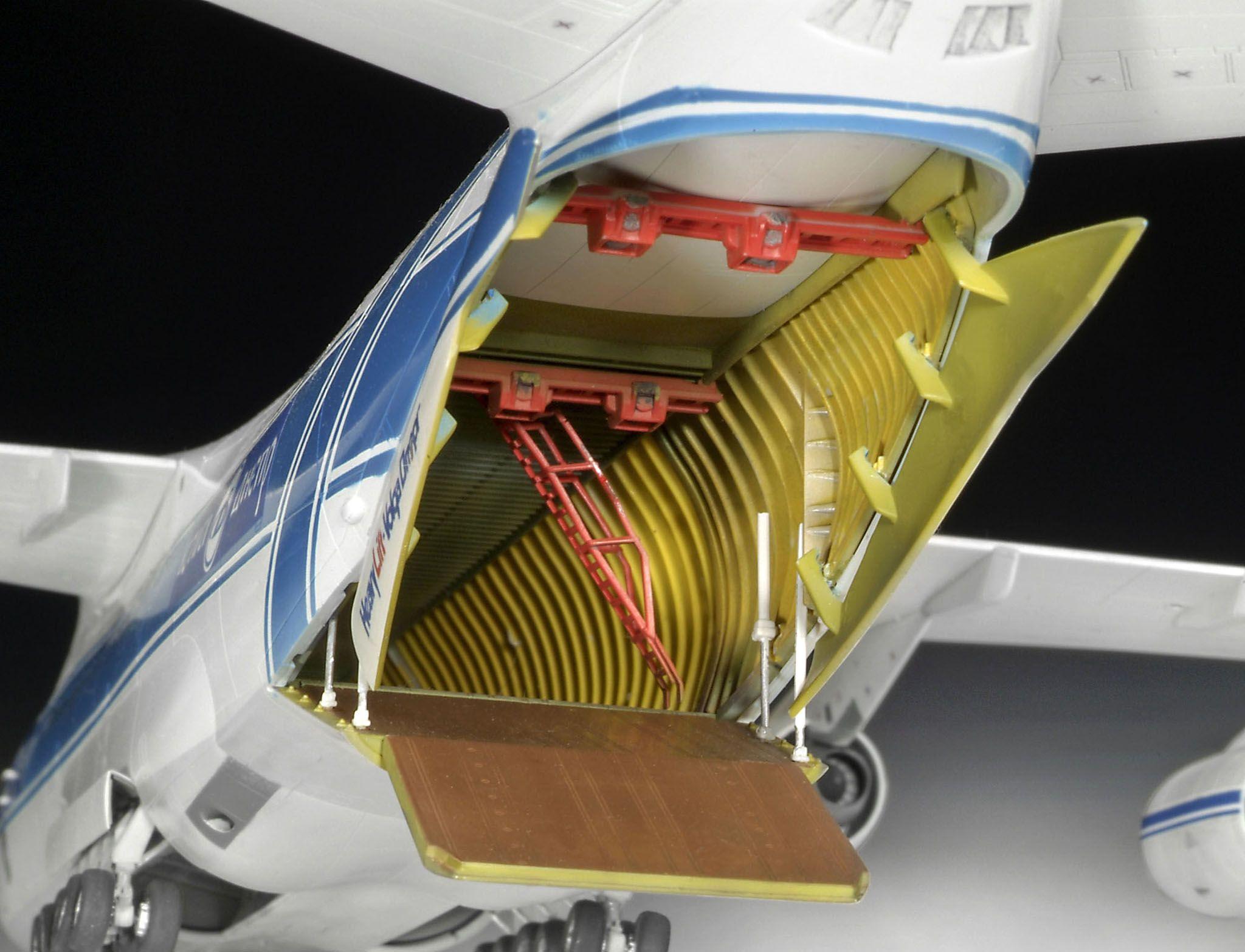 Сглобяем модел на самолет Revell - Antonov An-124 Ruslan (04221) - 3