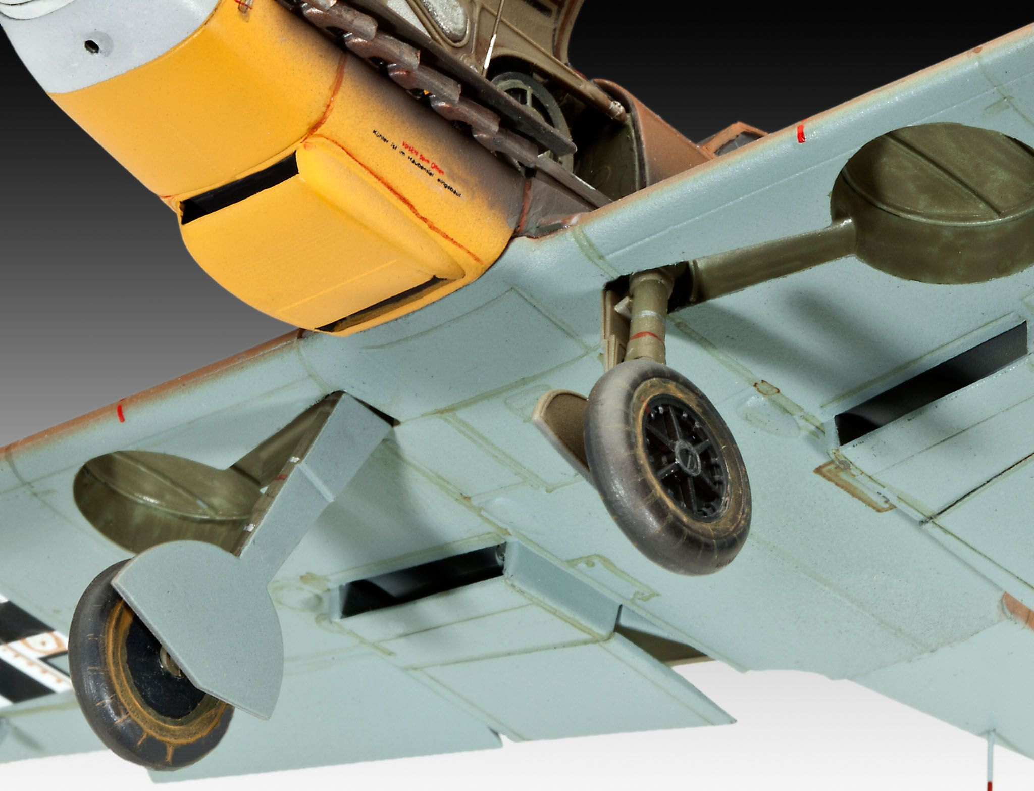 Сглобяем модел на военен самолет Revell Messerschmitt - Bf109 F-2/4 (04656) - 4