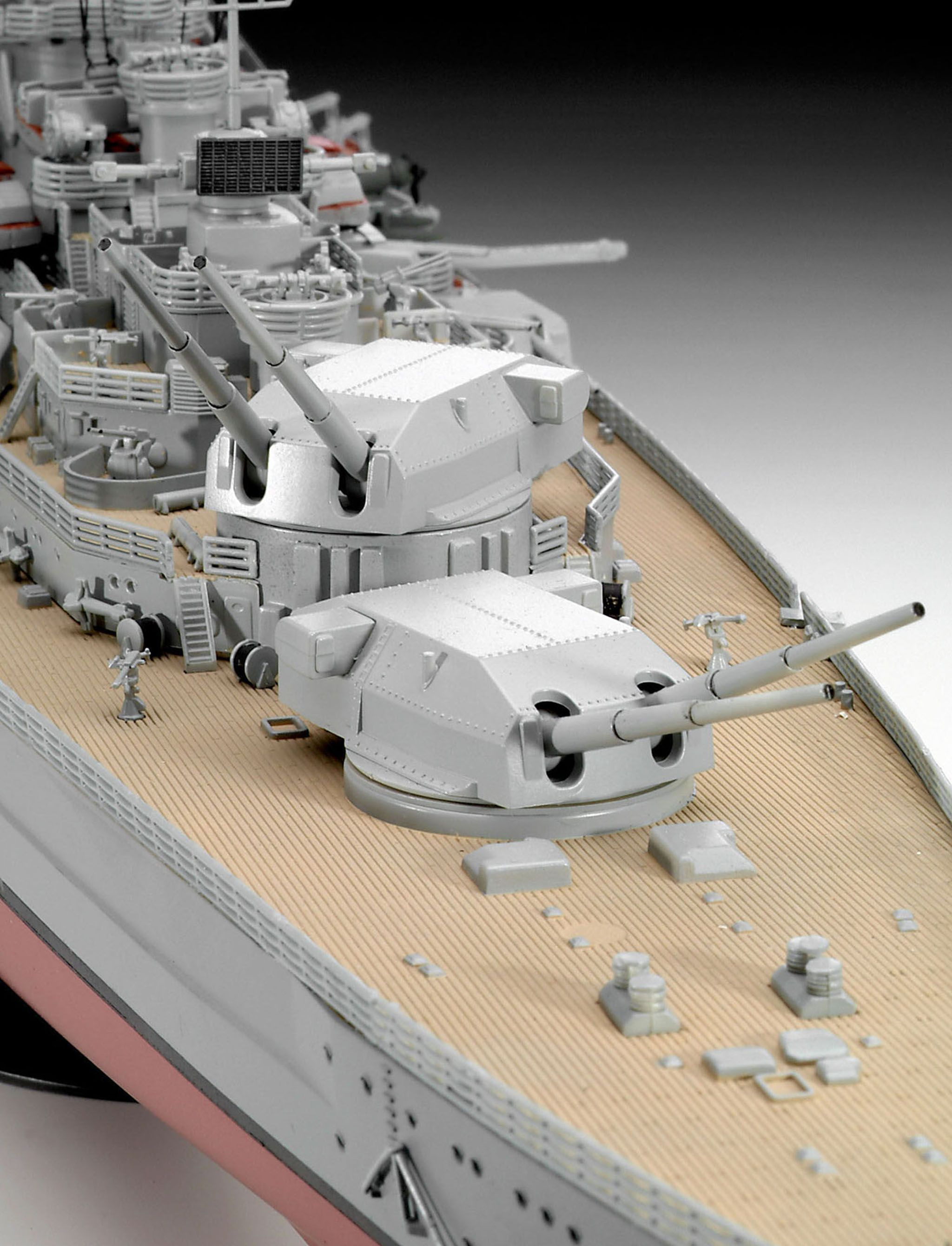 Сглобяем модел на военен кораб Revell - Battleship BISMARCK (05040) - 3