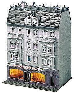 Многоетажна сграда с пицария Alfredo Faller - 2
