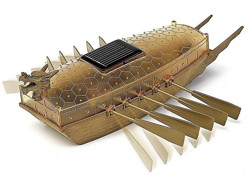 Кораб със слънчево захранванеAcademy Turtle Ship (18135) - 1