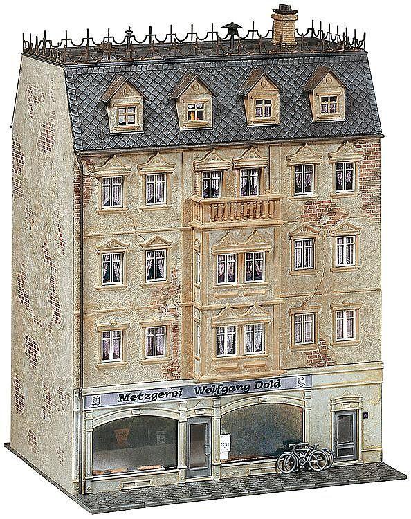 Жилищна сграда с магазин за месо Faller - 2
