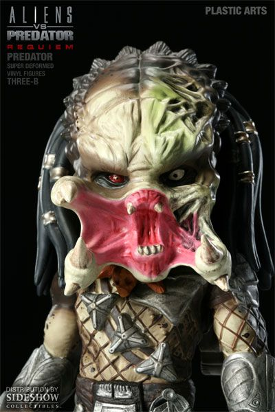 Aliens vs. Predator Requiem Super Deformed Vinyl Figure Predator 20 cm - 8