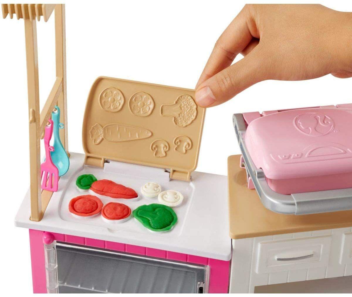 Игрален комплект Mattel Barbie - Кухнята на Барби, със звук и светлини - 7