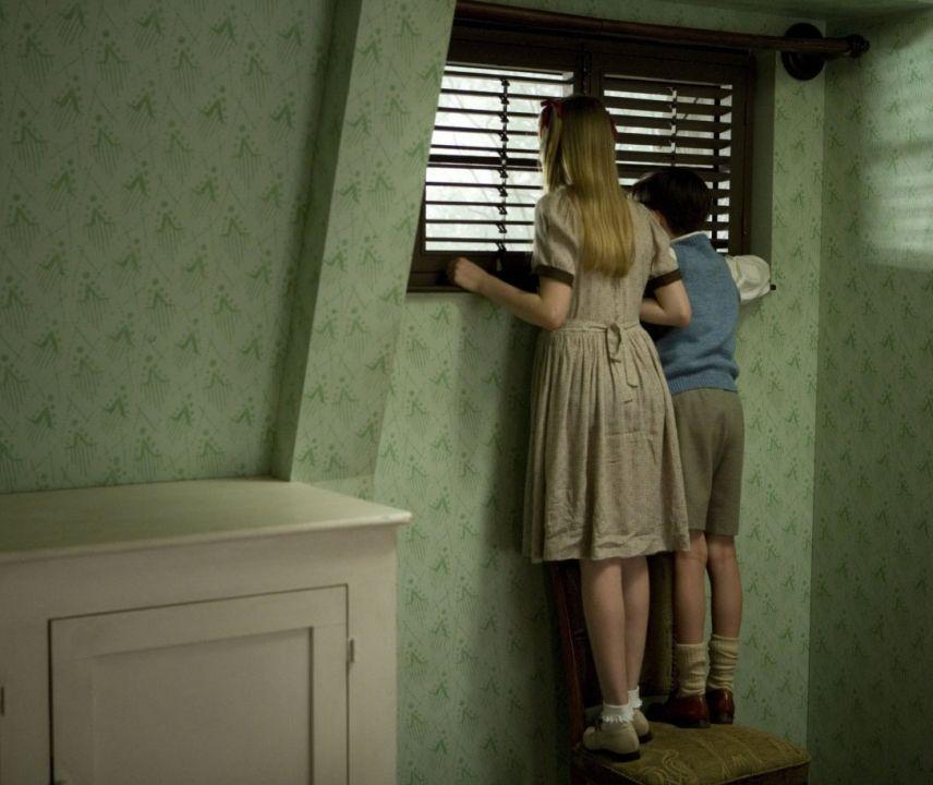 Момчето с раираната пижама (DVD) - 7