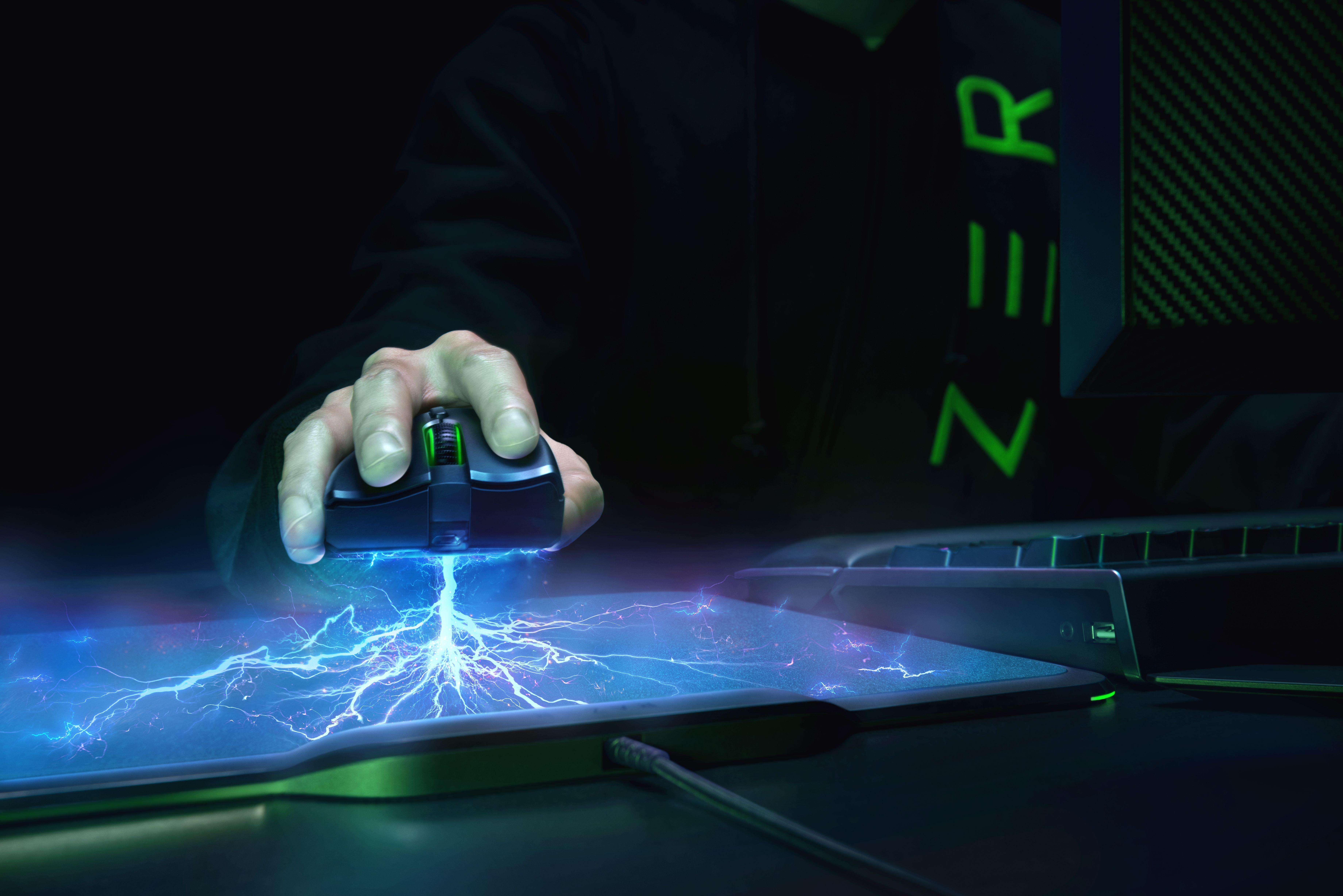 Гейминг мишка Razer Mamba + пад Firefly Hyperflux Bundle - 6
