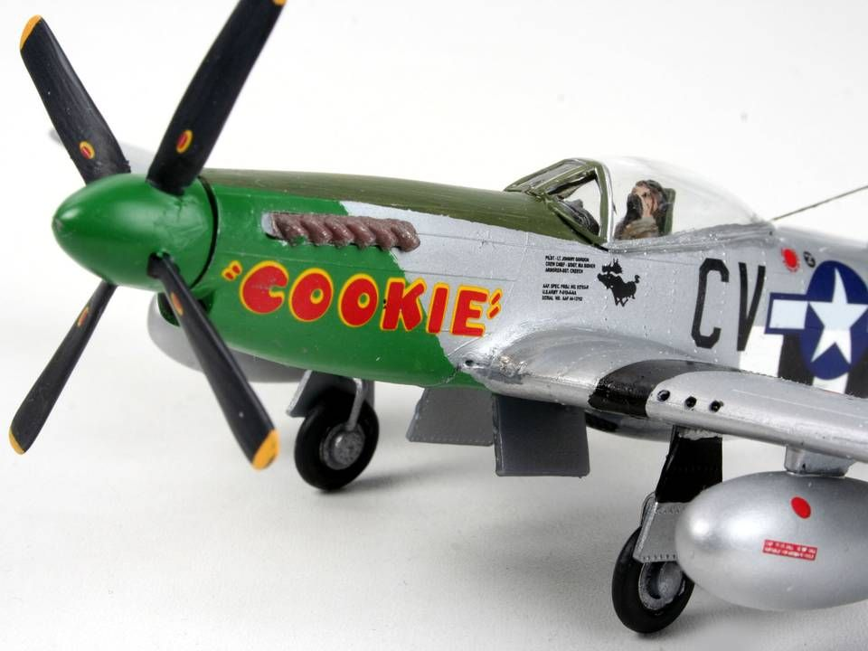 Сглобяем модел на военен самолет Revell - P-51D Mustang (04148) - 3