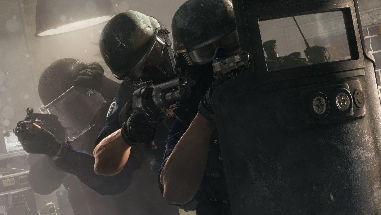 Xbox One 1TB + Rainbow 6 Siege & Vegas 1 & 2 - 6