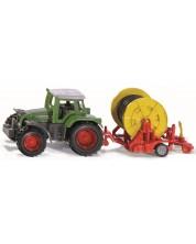 Метална количка Siku Agriculture - Трактор Fendt с макара за напояване