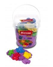 Кинетичен пясък в кофа Heroes - Лилав цвят, с 6 фигурки