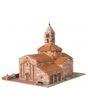 Сглобяем модел Domus Kits - Романика 7, Църква Sta. Maria d´Egara, Макет с истински тухли