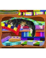 Пъзел SunsOut от 1000 части - В шкафа за завивки, Линда Елиът